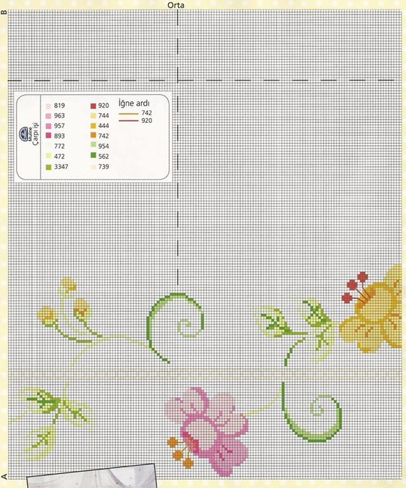 Цветочная вышивка для скатерти или покрывала. Схема (3) (582x700, 436Kb)