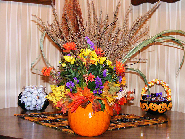 Поделка осенняя ваза с цветами