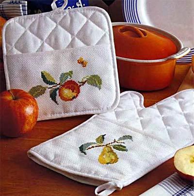 Прихватки для кухни с вышивкой своими руками
