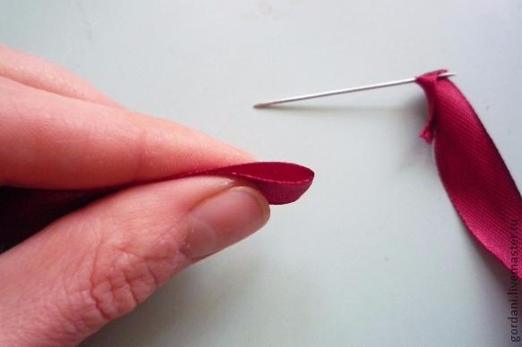Роза. Вышивка лентами (6) (583x388, 95Kb)