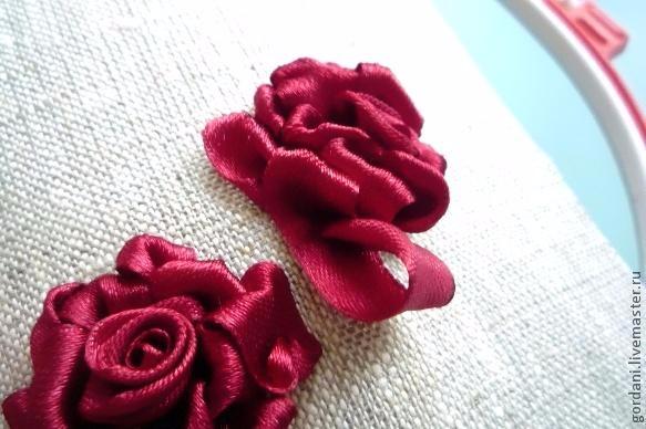 Роза. Вышивка лентами (32) (583x388, 191Kb)