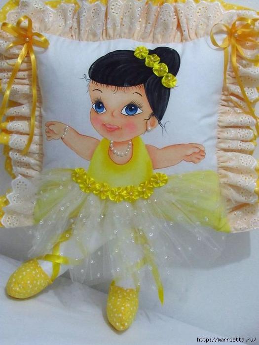 Детские подушки-куклы с росписью акриловыми красками (42) (525x700, 244Kb)