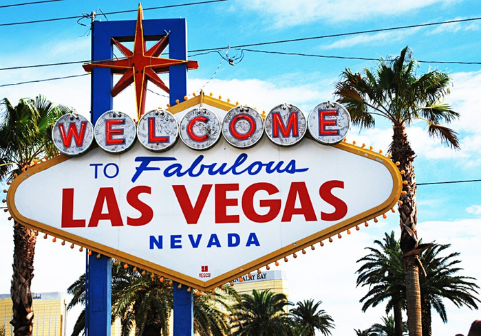 welcome-to-vegas-sign1 (700x489, 483Kb)