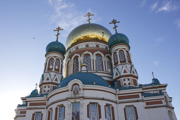 1024px-Dormition_Cathedral_in_Omsk (700x466, 59Kb)