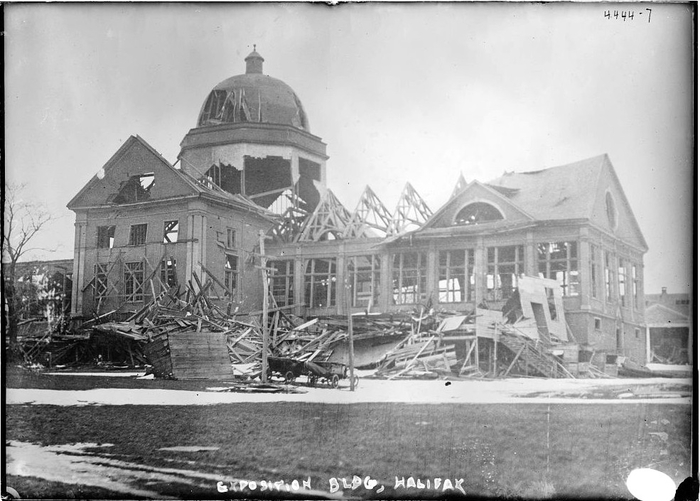 Halifax_Explosion_Aftermath_LOC_2 (700x501, 218Kb)
