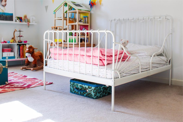 Миннен-в-интерьере-детской-комнаты-девочки (700x466, 298Kb)