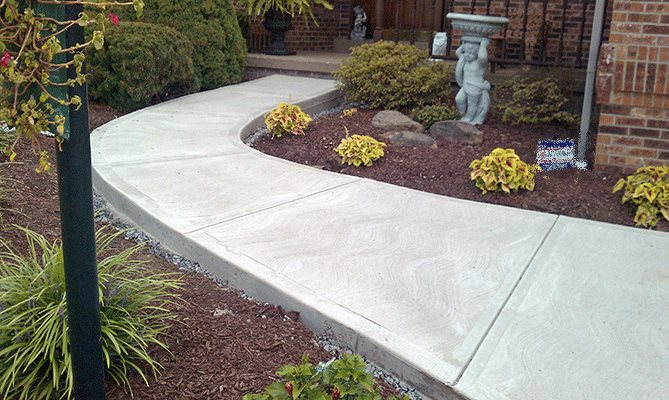 Как правильно бетонировать садовую дорожку