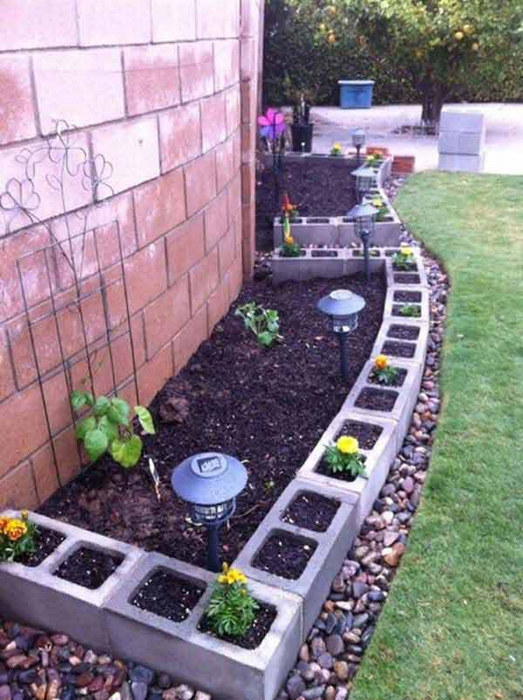 27-DIY-Garden-Bed-Edging-Ideas-Ready-to-Emphasize-Your-Greenery-homesthetics-backyard-landscaping-9 (523x700, 388Kb)