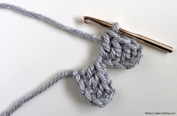 Интересный шахматный узор крючком для вязания подушки (14) (700x459, 187Kb)
