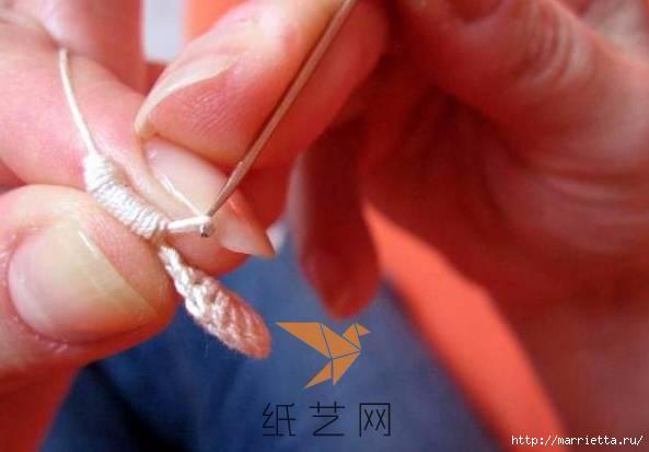 Шнурковое румынское кружево. Объемные цветочки (6) (593x413, 90Kb)