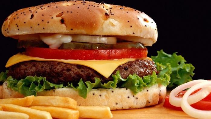 5939244_hamburgerrollsonionspoppystuffingfrenchfriesfastfood1920x1080 (700x393, 212Kb)