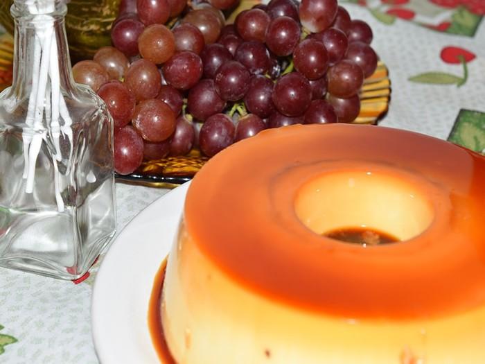 Творожный пудинг с изюмом и мармеладом: рецепт приготовления