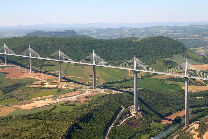 мост Мийо во франции 1 (700x466, 403Kb)