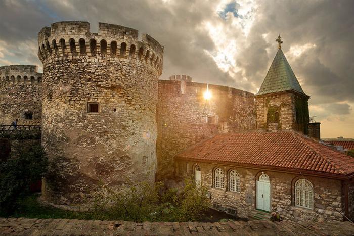 4. Белградская крепость (700x467, 419Kb)