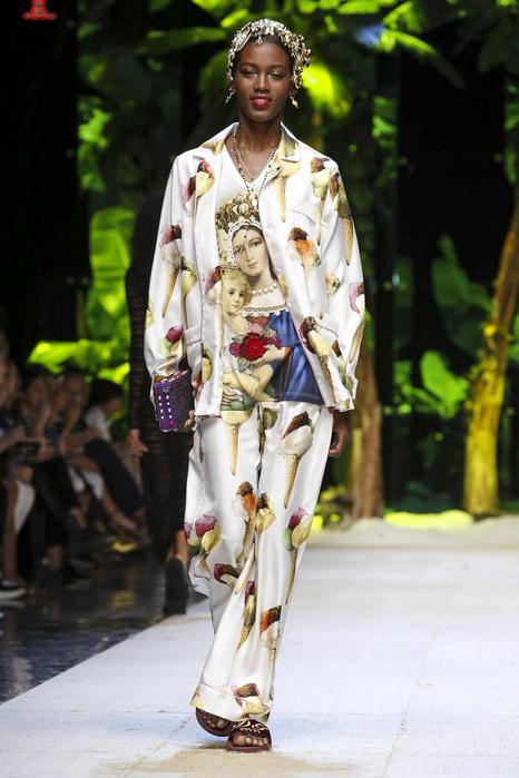Dolce-Gabbana-RTW-SS17-Milan-1965-1474814960-bigthumb[1] (466x700, 177Kb)