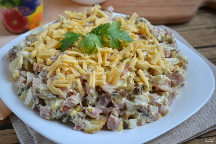 Рецепты из ветчины/5281519_salat_s_vetchinoi_i_gribami249158 (700x466, 247Kb)