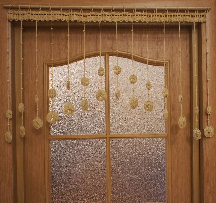 Вязаные шторы на дверь/3420374_13 (700x660, 415Kb)