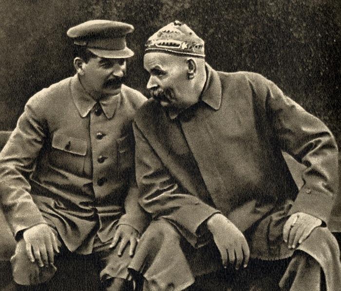 1 Stalin_and_Gorky_1931 (700x598, 219Kb)