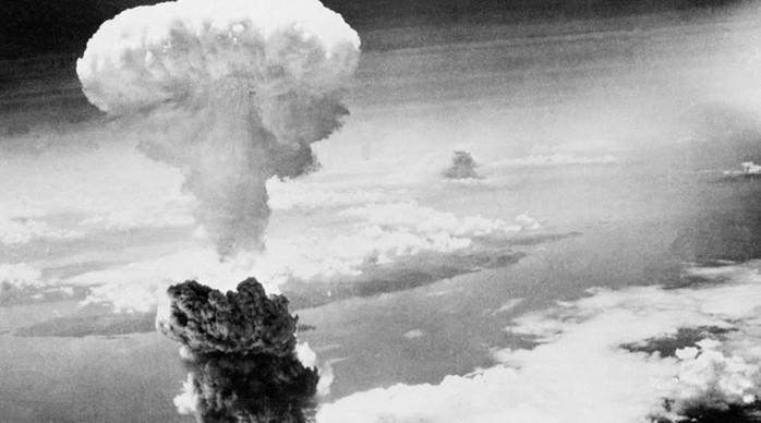 Чума, война и Хиросима: 7 худших лет в долгой истории человечества
