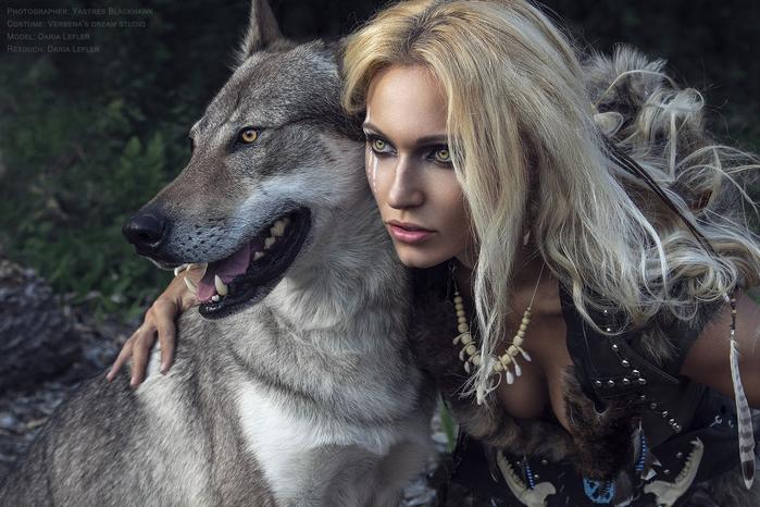 Знакомства женщины и волка