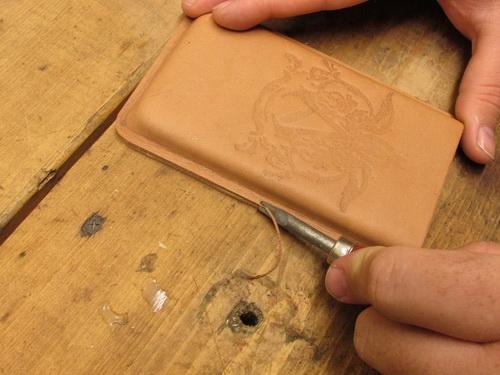 декоративная обработка края кожи выбрать гидроизоляцию для