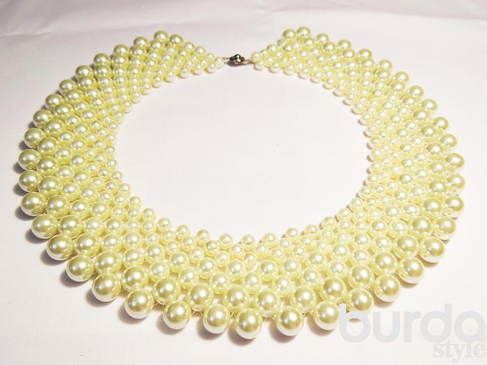 Круглое ожерелье/5988810_Tri_jemchyjnih_ojerelya (700x525, 302Kb)