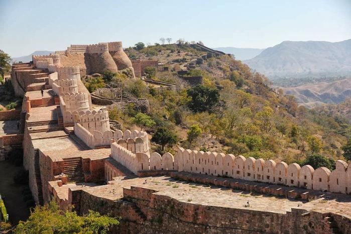 Kumbhalgarh Fort 1 (700x466, 357Kb)