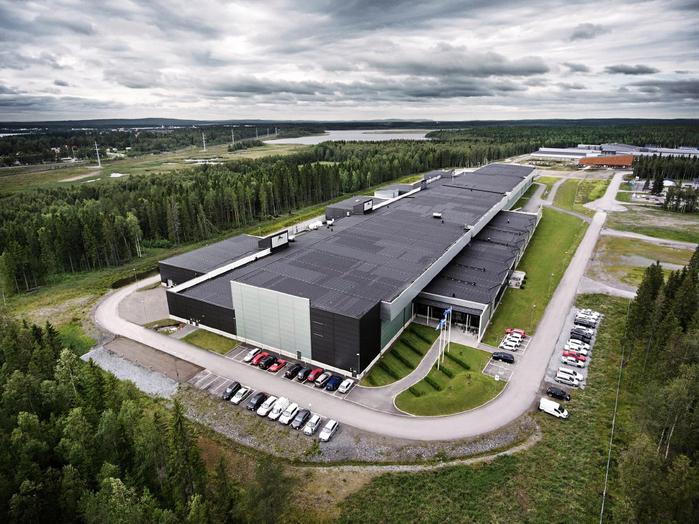 дата-центр фейсбук в швеции 1 (700x524, 450Kb)