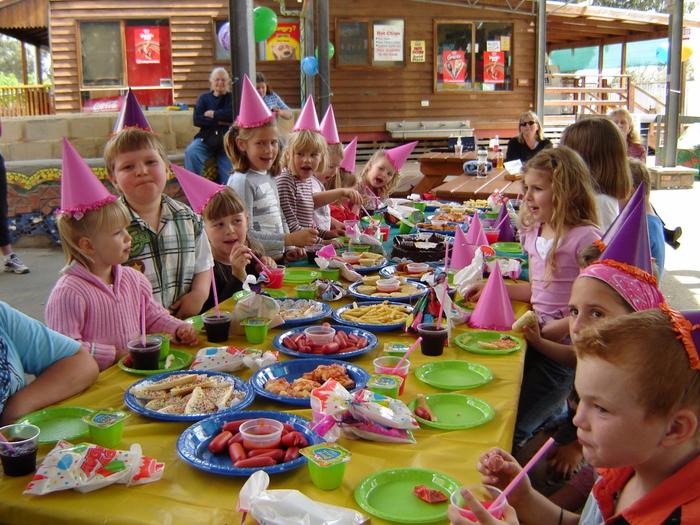 festa-de-aniversario-infantil-animada-1024x768 (700x525, 519Kb)