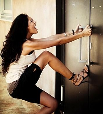 Защита дверей от взломщиков   советы и видео