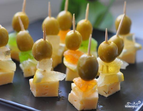 Вкусные блюда с оливками/5281519_zakuska_na_shpajkah_s_marmeladom159107 (603x470, 113Kb)