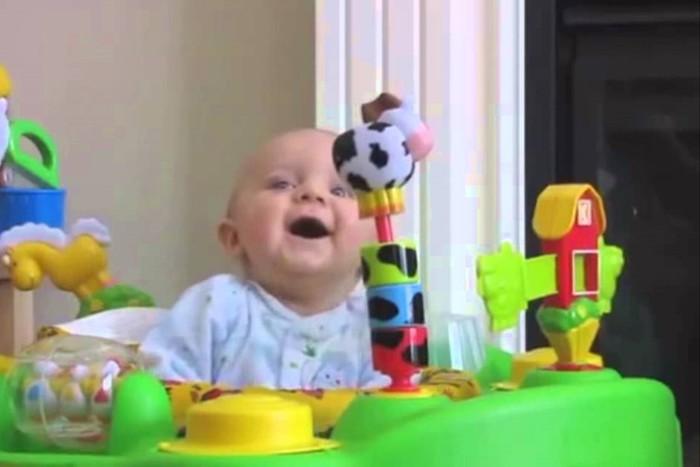 Мамочка сморкается (видео)