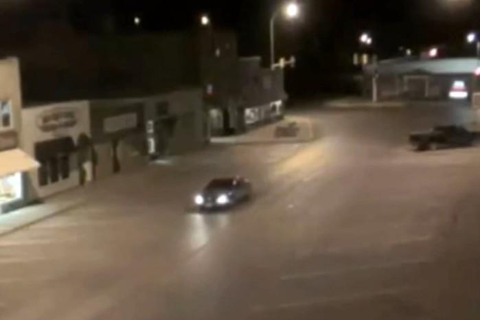 Реальное видео, как инопланетяне похитили автомобиль в штате Дакота