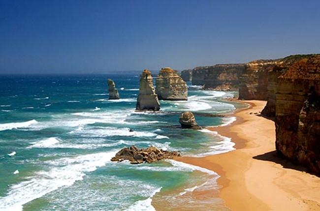 Кто открыл Австралию и в каком году?