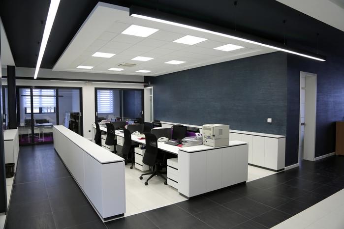 """alt=""""Интерьер современного офиса""""/2835299_6Interer_sovremennogo_ofisa (700x466, 195Kb)"""