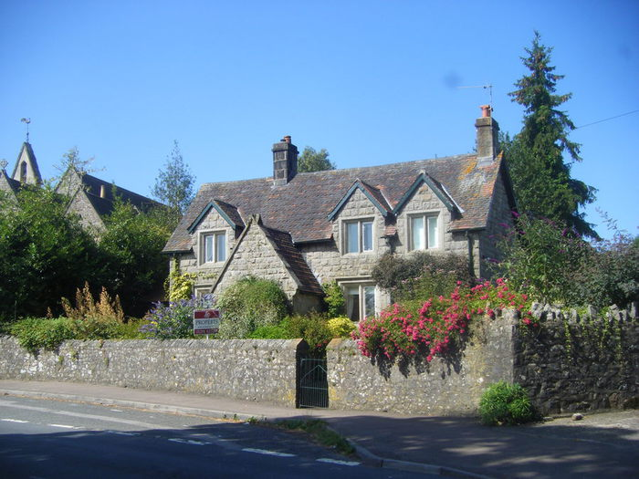 Cottage Tutshill (700x525, 84Kb)