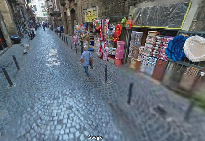 улочки неаполя магазин коробок (700x484, 360Kb)