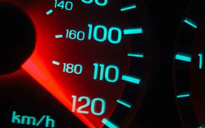 Оставьте в покое педаль газа! 10 способов сэкономить на бензине