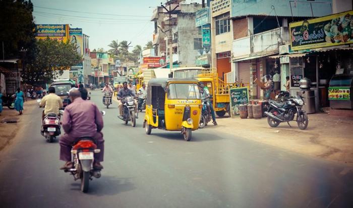 В помощь автомобилисту: продолжение рассказа о дорогах мира и правилах движения по ним
