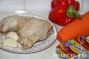 salat-is-kurici-s-morkoviu-i-plavlenim-sirom-pelikan_6 (300x199, 62Kb)