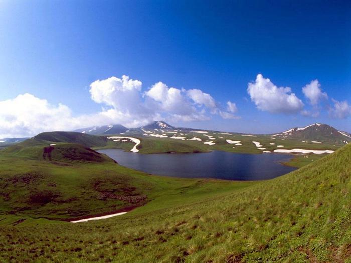 2. Горные долины Армении (700x525, 374Kb)