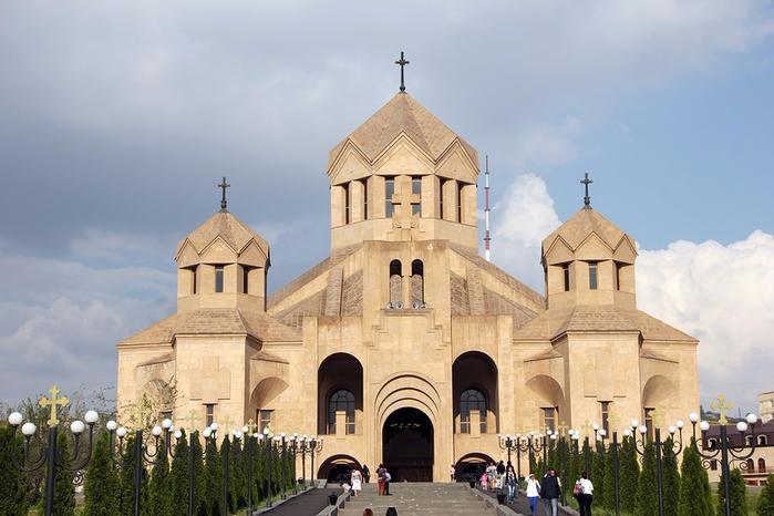 4. Собор св. Григория Просветлителя (700x466, 323Kb)