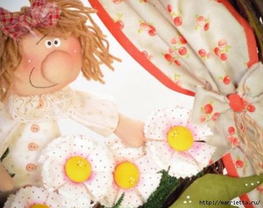 Цветы в окошке. Детский венок из веток с текстильной куклой и цветами (10) (520x411, 129Kb)
