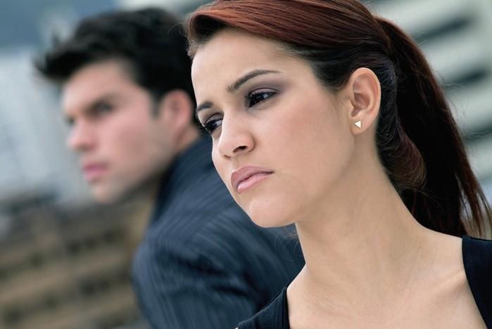 Шокированный мужчина развелся, как только увидел жену без макияжа