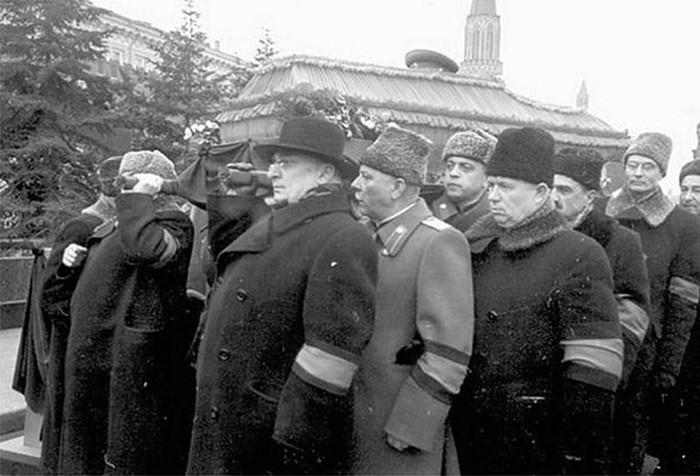 От чего на самом деле умер Иосиф Сталин и можно ли было его спасти
