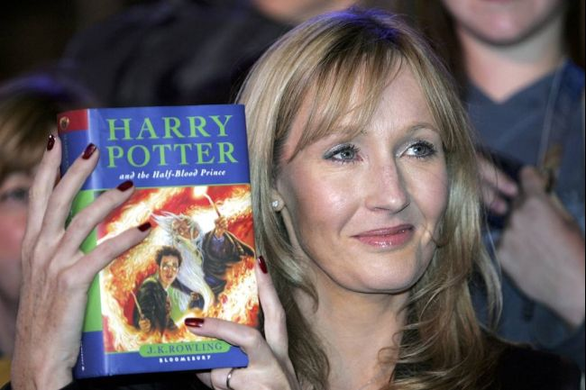 3130628_jk_rowling_harry_potter_opt (650x433, 47Kb)