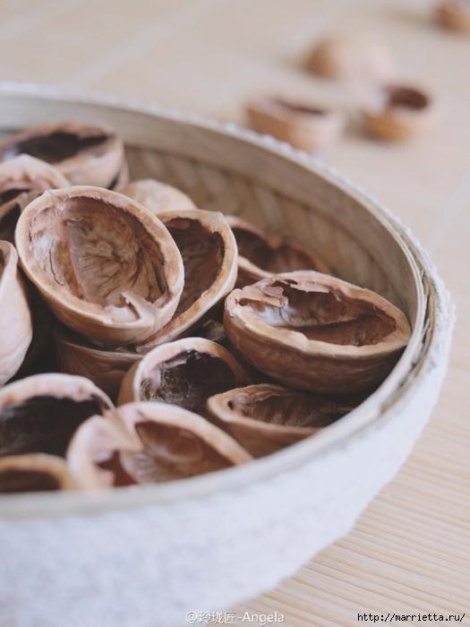 Миниатюрные игольницы. Вышивка в ореховой скорлупке (19) (525x700, 199Kb)
