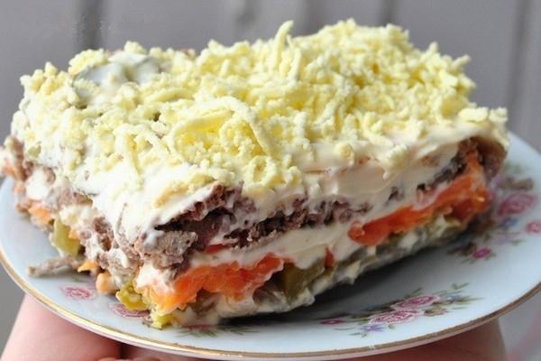 sloenyj-salat-pechenkin-s-morkovyu (600x400, 206Kb)