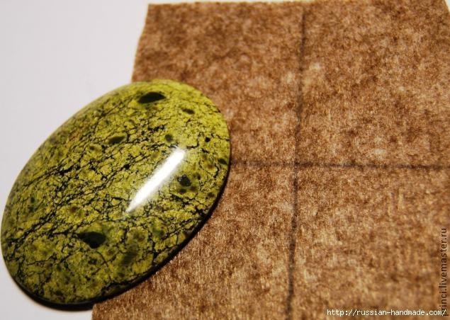Обшиваем кабашон бисером. Очень красиво (5) (635x452, 188Kb)