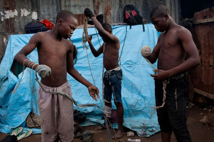 Дамбе, древнее боевое искусство мясников Нигерии